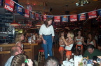 Hooters0923000011